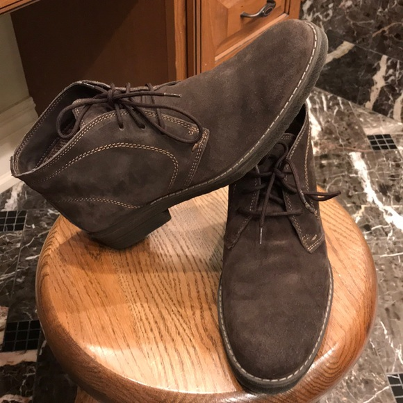 632db3b4ff3 Chocolate Brown Suede Chukka Boots Men's Size 10